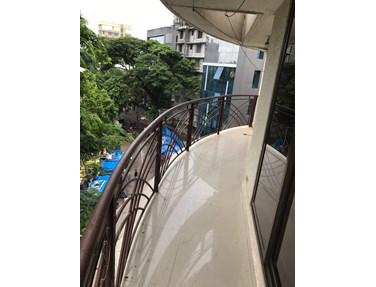 Flat on rent in Ayodhyay, Santacruz East