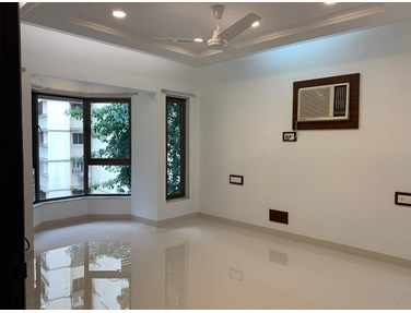 Flat on rent in Solitaire, Bandra West