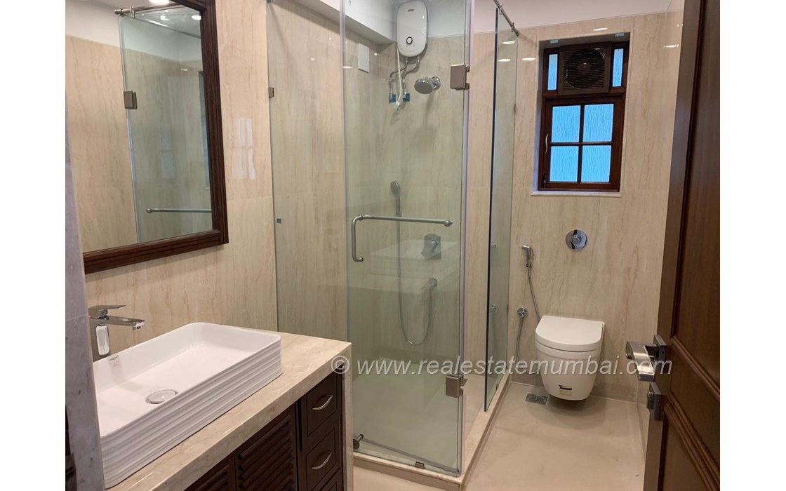 Master Bathroom - Solitaire, Bandra West