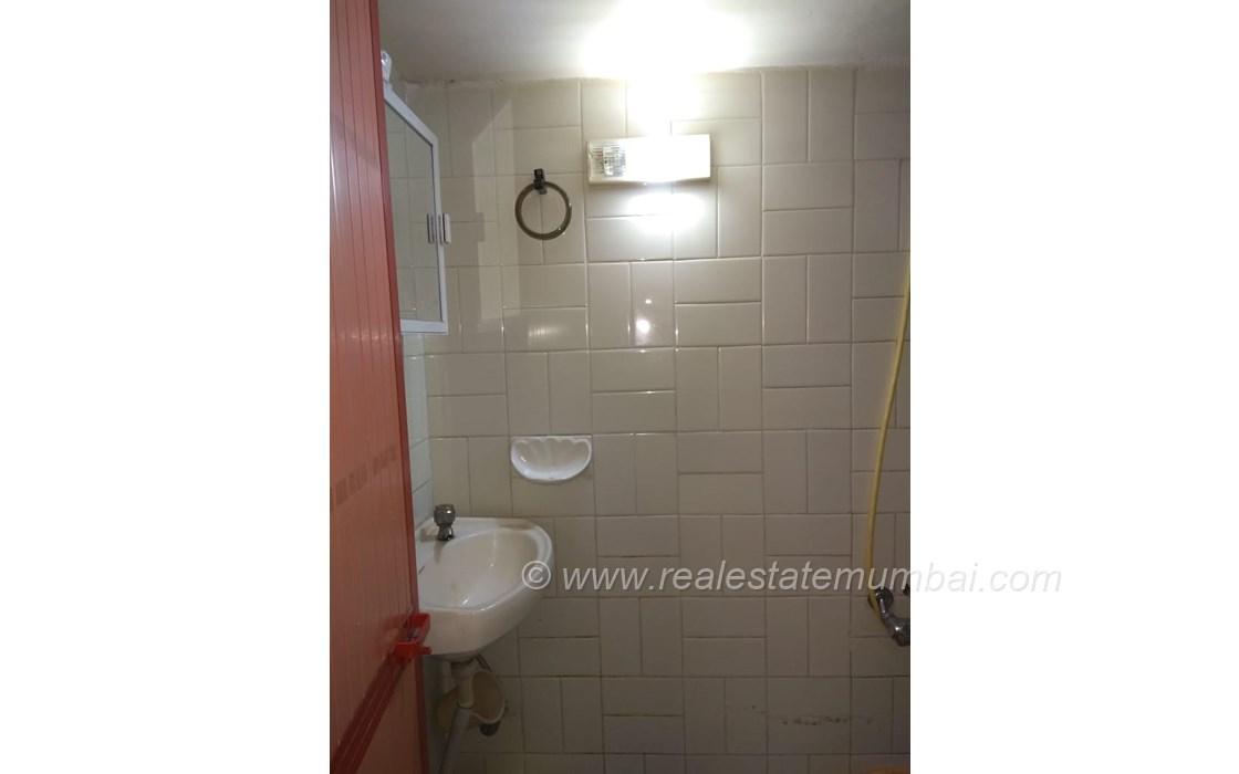 Bathroom 22 - Pooja Apartments, Khar West
