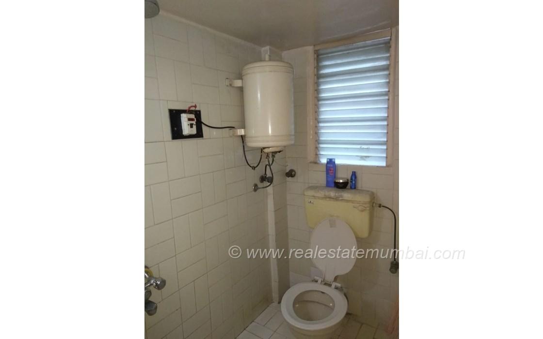 Bathroom 23 - Pooja Apartments, Khar West