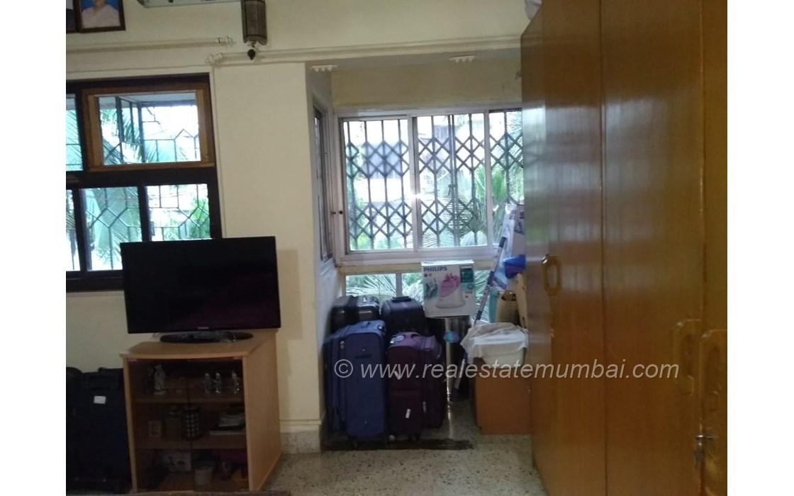Bathroom 26 - Pooja Apartments, Khar West
